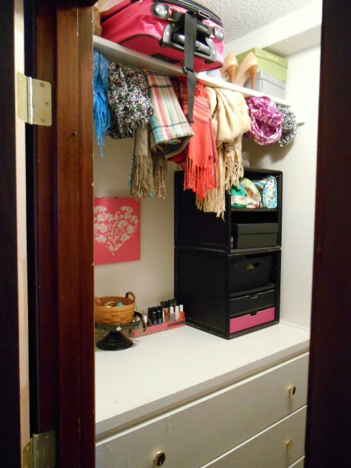 Open House: Closet   Tulips & Rain